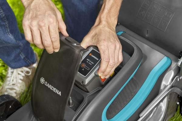 Výsledek obrázku pro Battery Lawnmower Set PowerMax™ Li-40/41